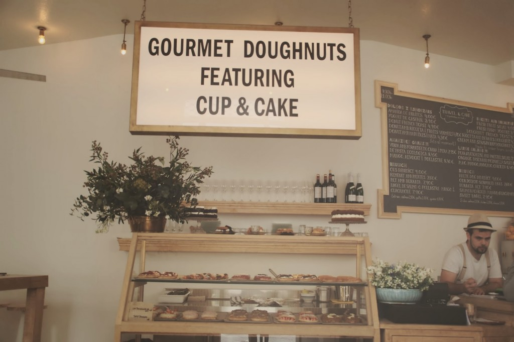 donuts_and_travel&cake2